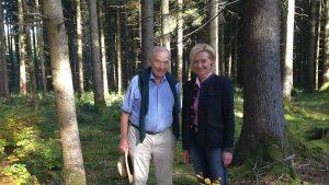 Brigitte Koch mit ihrem Vater