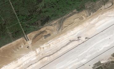 Buschbeller Wald und Sandgrube davor